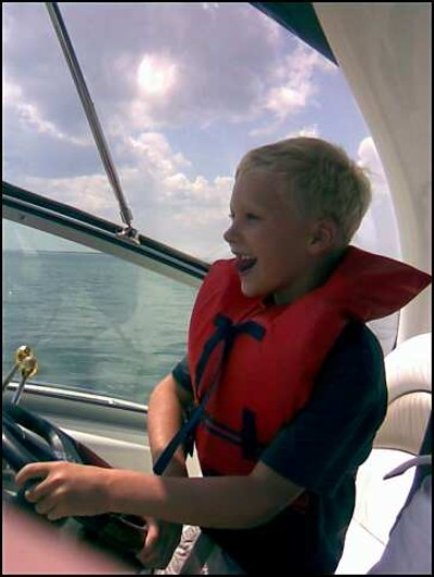 Captain Hugo at the helm - Specialties: fast turns, pushing buttons
