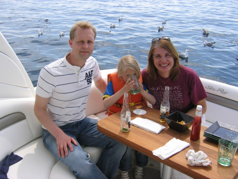 Edwin, Noa and Me... and we were NOT feeding those birds!
